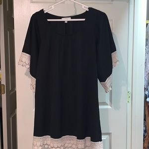 Umgee tunic dress with lace